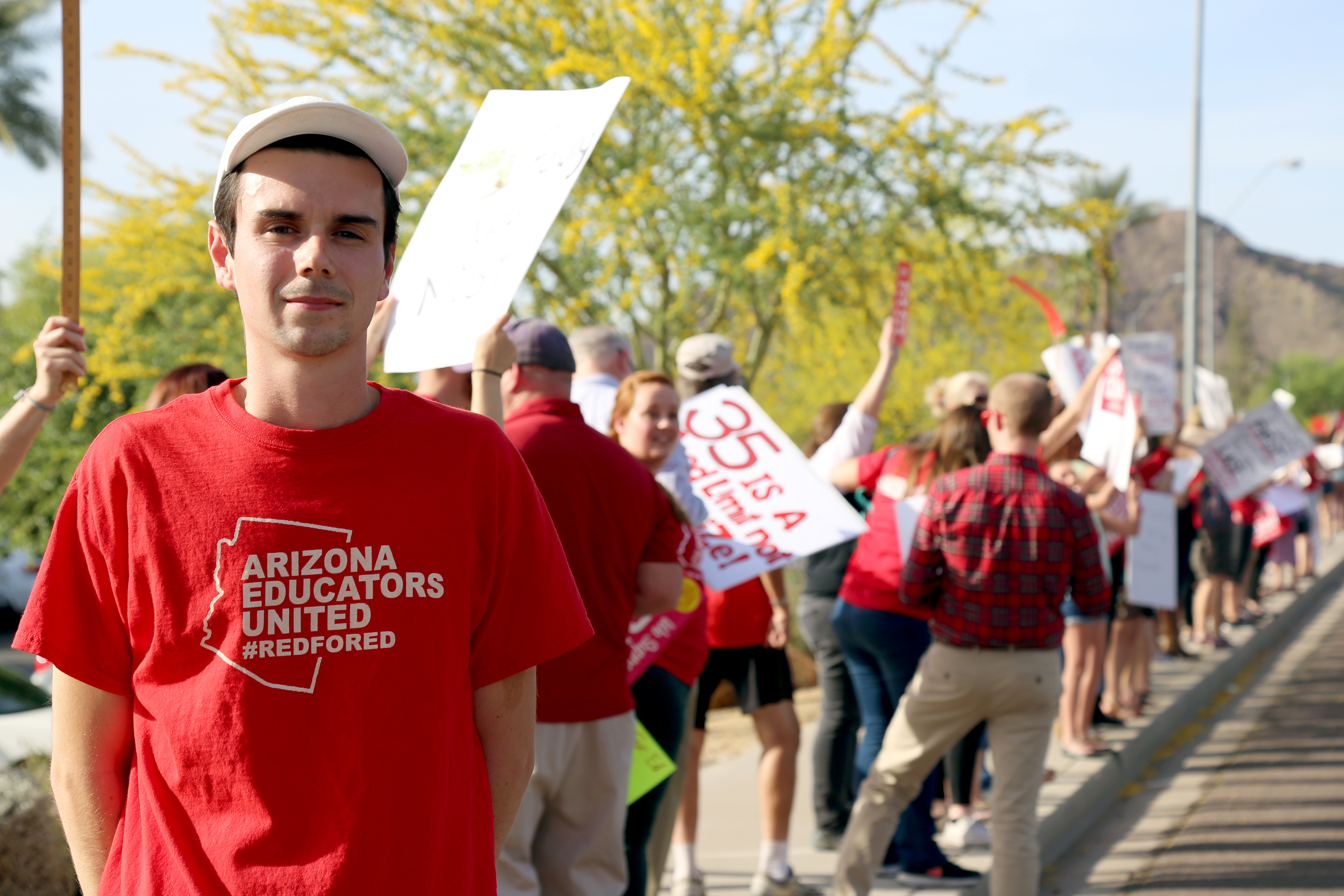Grassroots Teachers Push Sidelines Union In Pay Dispute Arizona